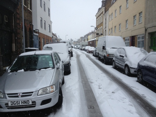 Cars and Snow -London- pic by F Macha